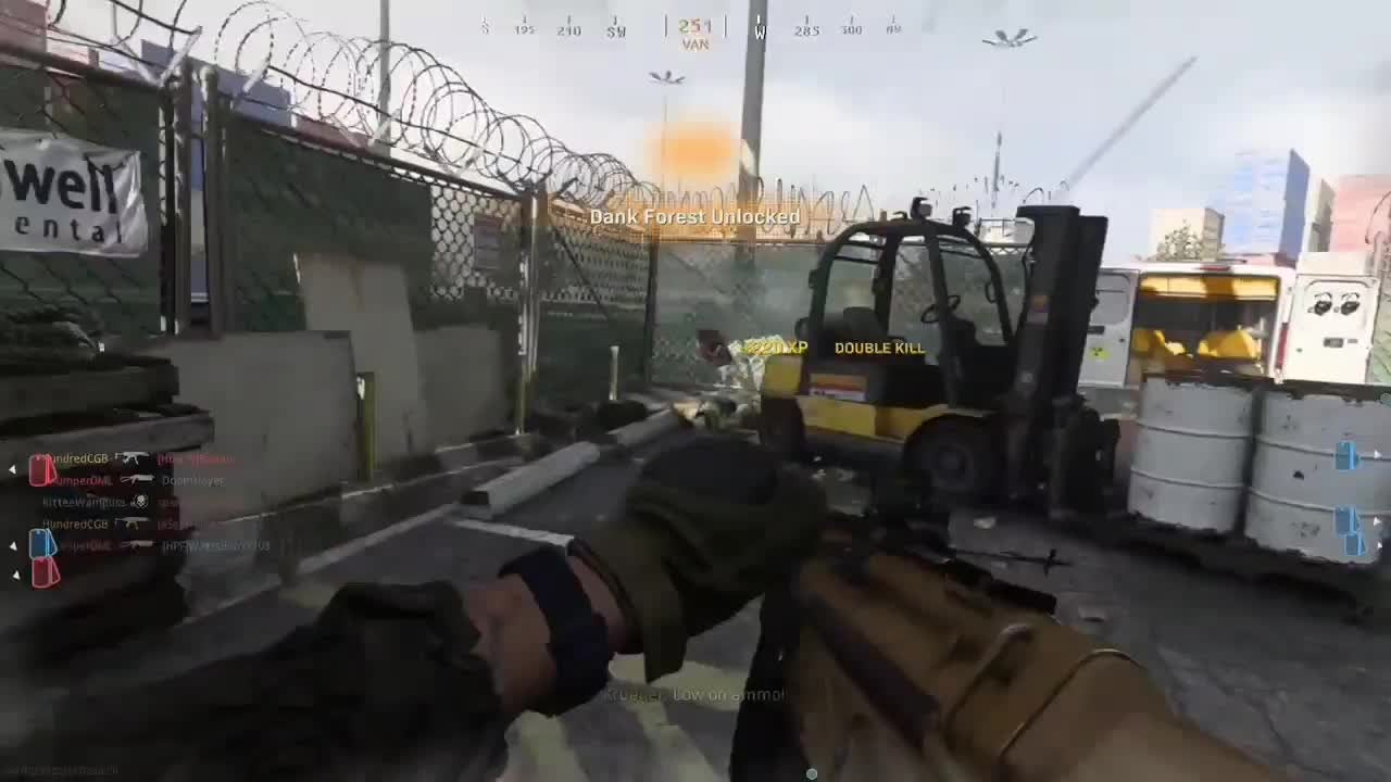 Call of Duty: POTG - When aim bot decides to turn on  video cover image 0
