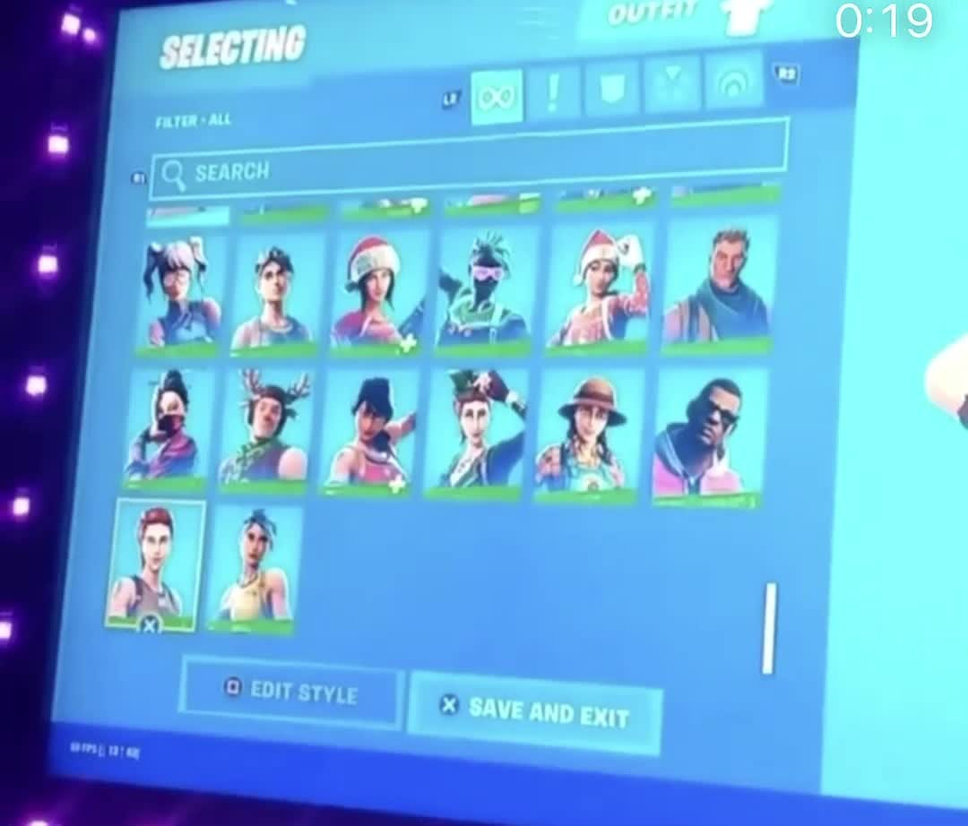 Fortnite: General - Looking for a ikonik acc this acc got Royal night on it and I want to trade for ikonik ps4 only  video cover image 0